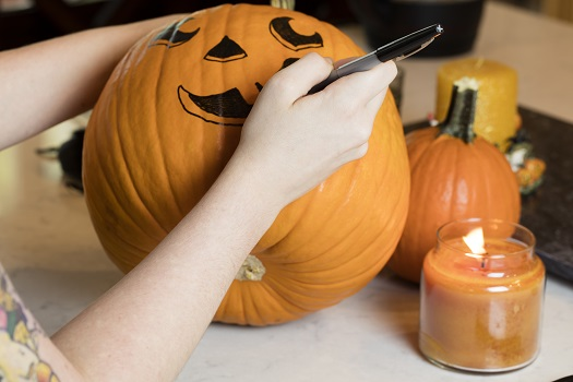 Halloween Activities for Elderly People with Dementia in Victoria, BC